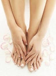 汗疱が一つもない綺麗な手足